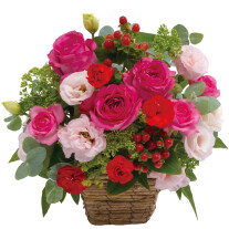 Arrangement in pink and red